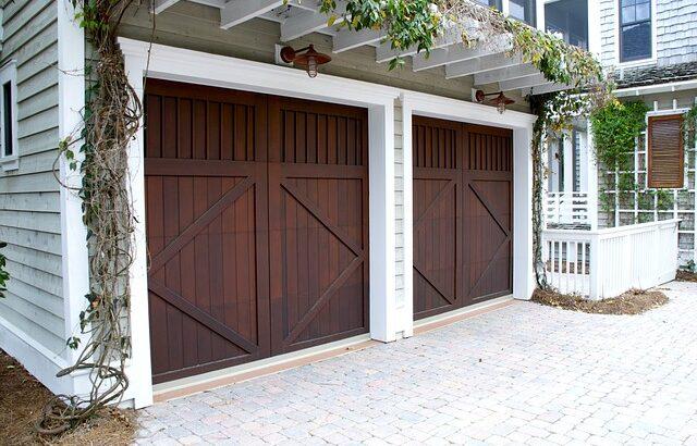 bramy garażowe drewniane